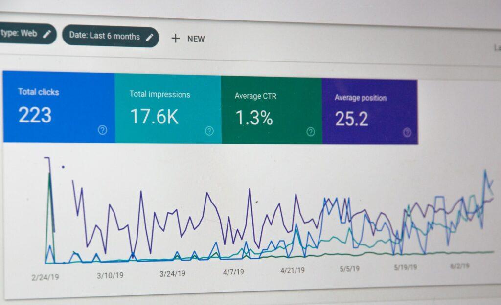 seo dashboard monitor screengrab